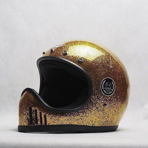 Casco custom Light gold metal flake de custom creative en colourfox paints