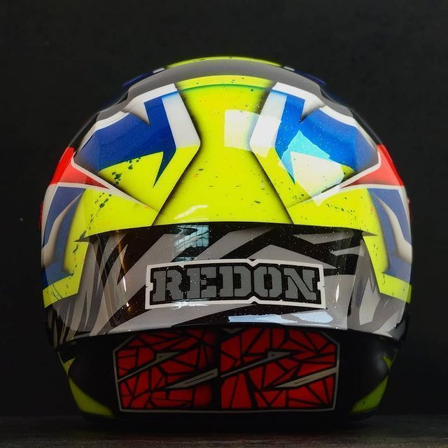 casco-fluorescente-custom-creative-colourfox-racingraphics_paint-3