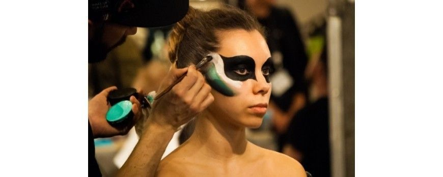 Body painting or how to turn the body into a canvas